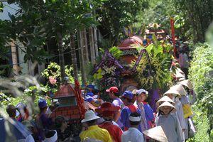 Tai nạn thảm khốc ở Quảng Nam: Trắng khăn tang nước mắt tiễn người an nghỉ