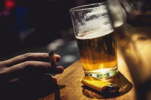 Có nên gộp quỹ phòng chống tác hại thuốc lá với quỹ phòng chống rượu bia