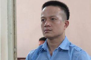 Lĩnh án chung thân vì đâm chết bạn trai của vợ cũ
