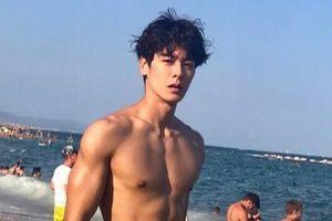 Hot boy Hàn Quốc cao 1,86 m, đẹp trai như ca sĩ thần tượng