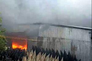 Cháy lớn tại Khu công nghiệp Nhị Xuân ở Sài Gòn