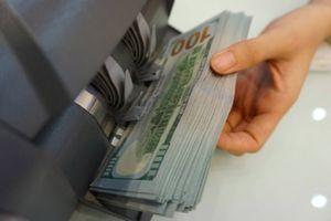Giá USD ngân hàng tăng kịch trần lên 23.356 đồng