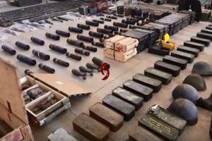 Quân đội Syria lại 'vớ được' một lượng lớn vũ khí ở Quneitra