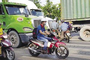 Đường nối Bình Dương - TPHCM: Chậm tiến độ, tăng áp lực kẹt xe và tai nạn