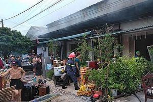 'Bà hỏa' thiêu rụi 5 quán karaoke ở TP Móng Cái