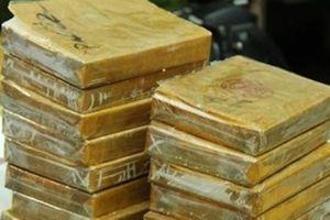 Bắt 2 người dân tộc xách vali heroin 'khủng' từ Điện Biên về Hà Nội