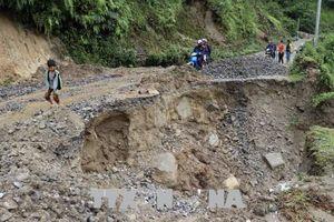 Thông đường đến các xã biên giới sau mưa lũ tại Phong Thổ, Lai Châu