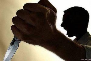 Nghi vấn chồng đâm vợ bị thương rồi uống thuốc trừ sâu tự tử