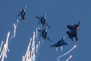 Mãn nhãn với màn trình diễn tuyệt đỉnh của chiến cơ, trực thăng Nga