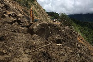 Hà Nội còn gần 800 hộ dân sống trong cảnh ngập lụt