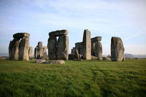 Vén màn bí mật của bãi đá cổ Stonehenge