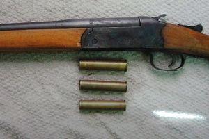 Phát súng trả thù của nam thanh niên vô cớ bị đuổi đánh