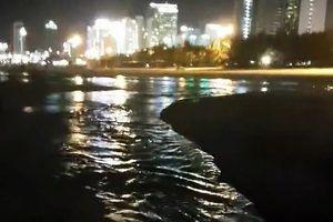 Vụ nước thải xả ra biển Đà Nẵng: Trả lời báo chí một đằng, báo cáo một nẻo!