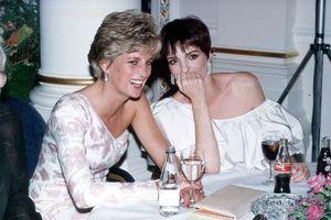 Những bí mật chưa bao giờ được tiết lộ về cuộc đời Công nương Diana