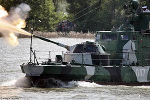 Thèm thuồng dàn vũ khí Quân khu miền Nam Nga (2)