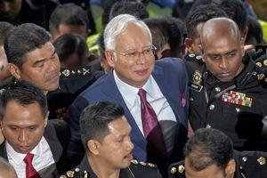 Cựu Thủ tướng Malaysia bị buộc tội 'rửa tiền'
