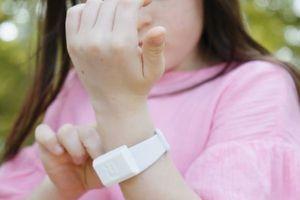 Vòng tay chống muỗi bằng công nghệ sóng siêu âm
