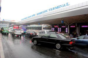 Một phần hệ thống đường lăn sân bay Tân Sơn Nhất mất điện, nhiều máy bay không thể cất/hạ cánh