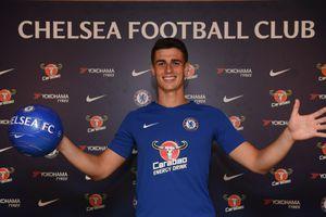 Kepa chính thức cập bến Chelsea, trở thành thủ môn đắt nhất thế giới