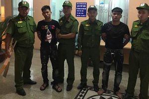 100 thanh niên mang theo hung khí gây náo loạn đường phố Hà Nội