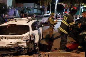Quân đội Israel đáp trả dữ dội sau khi bị tấn công bằng 'cơn mưa' tên lửa