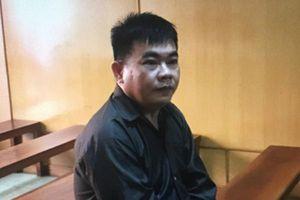 Lật mặt kẻ 'nổ' quen lãnh đạo sân bay Tân Sơn Nhất để lừa chạy việc