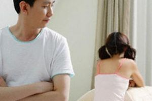 Trách vợ làm mẹ qua đời, 10 năm 'không nhìn mặt vợ' nhưng không chịu ly hôn vì sợ chê cười