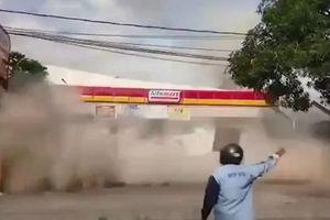 Động đất tại Indonesia: Cận cảnh siêu thị đổ sập trong chớp mắt