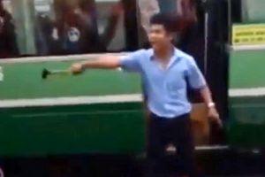 TP HCM: Tài xế xe buýt côn đồ, cầm búa dọa xử đồng nghiệp sau va chạm