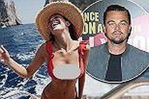 Người yêu tài tử Titanic diện bikini 'thiêu đốt' ánh nhìn
