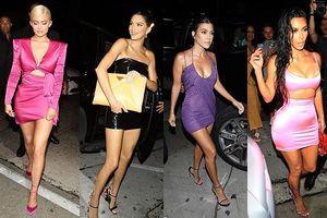 Chị em nhà Kardashian váy ngắn chân dài dự sinh nhật cô út Kylie