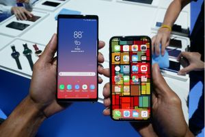 Galaxy Note 9 đối đầu iPhone X: Cuộc chiến của các siêu phẩm 1.000USD