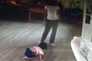 Không chịu ngủ trưa, giáo viên đánh đập bé gái 2 tuổi gây phẫn nộ