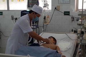 Cứu kịp thời bệnh nhi 6 tuổi bị hóc gây nghẽn đường thở