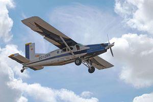Máy bay chở 9 người mất tích tại Indonesia