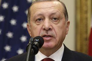 Đồng tiền sụt giá không phanh vì Mỹ, Thổ Nhĩ Kỳ vẫn thề 'không thua cuộc'