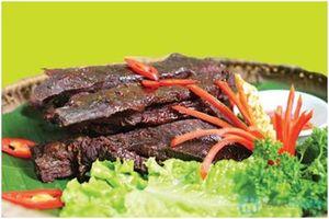 Cho con bú ăn thịt trâu gác bếp được không?