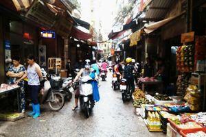 Chợ 'cóc' tại phường Khương Trung, quận Thanh Xuân: Bao giờ xử lý dứt điểm?