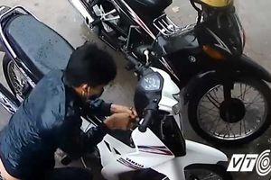 Gán nợ cho chủ nhà nghỉ bằng xe máy 'chôm chỉa' được