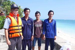 Tàu KN - 402 cứu sống 3 ngư dân trên vùng biển Trường Sa