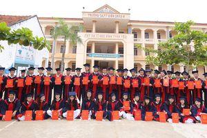 Hai lớp trường huyện ở Nghệ An có 100% học sinh đậu đại học