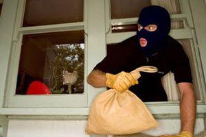Truy tố 1 đối tượng về hành vi trộm cắp gần '80 lượng vàng'