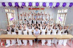 Không hổ danh đất hiếu học, 2 lớp trường huyện ở Nghệ An có 100% học sinh đậu đại học