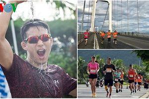 VĐV đội nắng tranh tài tại giải Marathon quốc tế Đà Nẵng 2018