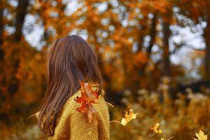Nước hoa cho mùa thu: 3 mùi hương tháng 8 dịu dàng