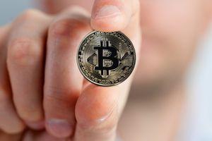 Giá Bitcoin hôm nay 13/8: Bitcoin sẽ giảm xuống mức 4.000 USD trong thời gian tới?