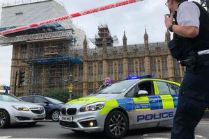 Đâm xe vào tòa nhà Quốc hội Anh, một người bị bắt vì nghi khủng bố