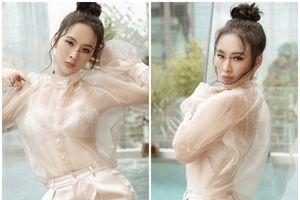 Bỏ qua nhiều mỹ nhân, Angela Phương Trinh đón đầu xu hướng áo xuyên thấu 'chất' nhất thế giới