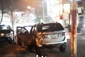 Truy tìm đối tượng táo tợn đập kính xe ô tô trộm đồ trước UBND