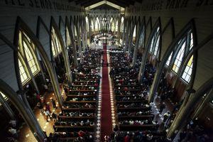 Nước Mỹ rúng động vụ 300 linh mục xâm hại tình dục trẻ em